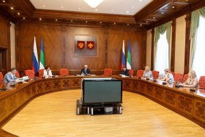 Владимир Уйба провел совещание по реализации в республике Национальных проектов