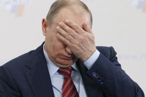 Чиновники никак не могли договориться о том, когда сдавать ЕГЭ и сдавать ли вообще. Пришлось к спору подключиться Путину