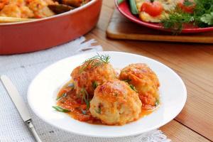 Рыбные тефтели в томатном соусе