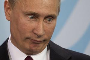 Путин потребовал обратить внимание на проблемы с доходами граждан