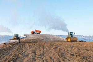 На строительство дороги связывающей Нарьян-Мар и Усинск, выделили еще 5,5 миллиарда рублей.