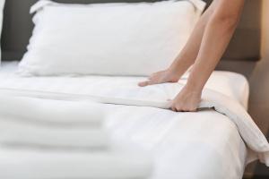 Заправлять кровать каждый день
